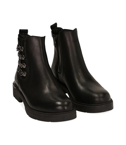 Ankle boots con catene neri in pelle, Scarpe, 1007T0006PENERO035, 002