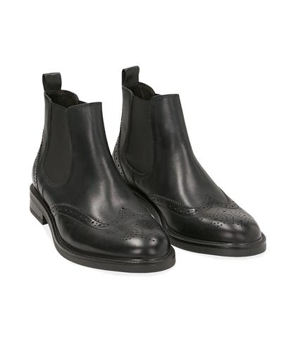 Chelsea boots neri in pelle di vitello, UOMO, 1677T0609VINERO039, 002