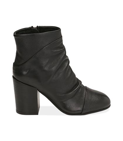 Ankle boots neri in pelle, Scarpe, 1253T3002PENERO035, 001