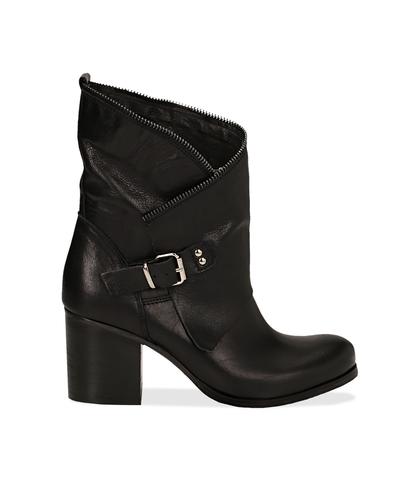 Ankle boots neri in pelle di vitello con gambale traforato, tacco 7 cm, Valerio 1966, 1156T0308VINERO036, 001