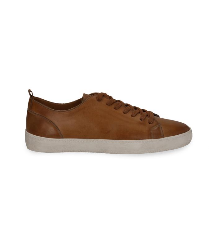 Sneakers cuoio in pelle con suola biancaUOMO, 1377T8081PECUOI040