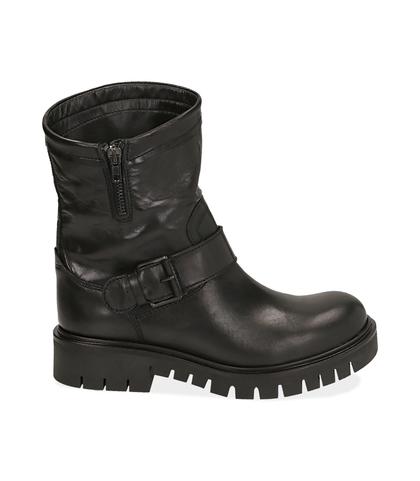 Ankle boots flat neri in pelle, Scarpe, 1016T7072PENERO035, 001