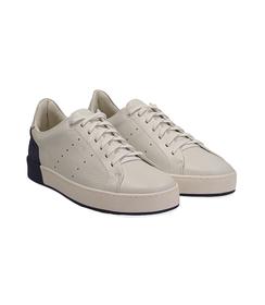 Sneakers bianche in pelle con tallone blu in camoscio, Scarpe, 1198T5841PEBIBL040, 002 preview