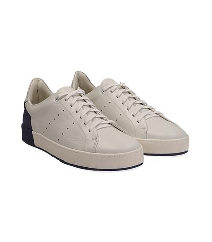 Sneakers bianche in pelle con tallone blu in camoscio, Scarpe, 1198T5841PEBIBL040, 002