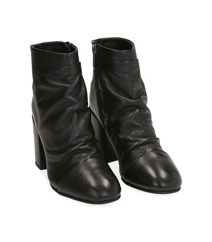 Ankle boots neri in pelle, Scarpe, 1253T3002PENERO035, 002