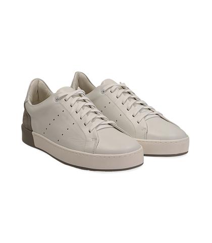 Sneakers bianche in pelle con tallone grigio in camoscio, Scarpe, 1198T5841PEBIGR040, 002